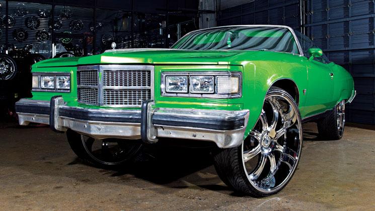 26-1975-Pontiac-Grand-Ville-on-28-inch-Asanti-AF131-wheels.-(photo-by-Tony-Harmer_-DBB-Volume-6)-1