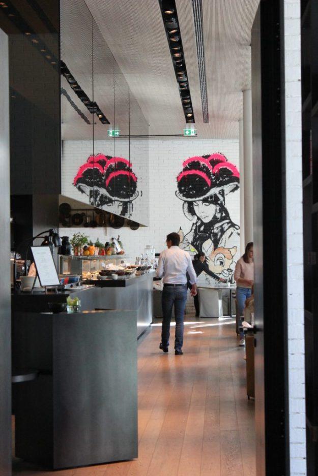 Börlind und Roomers: die neuen Schwarzwald-Stars – Eingangsbereich zum Restaurant Moriki