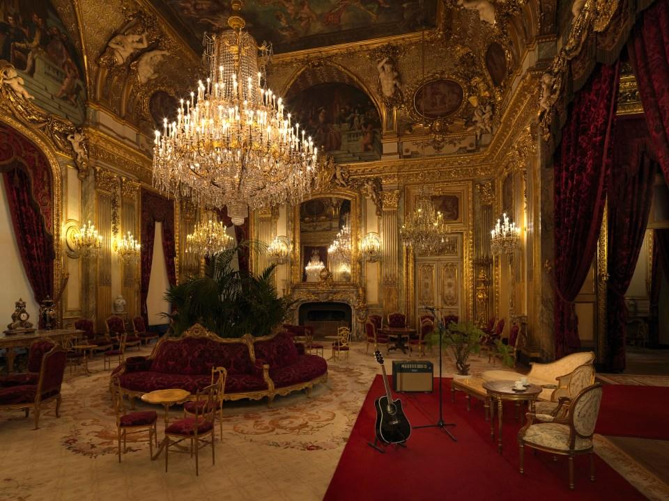 Airbnb x Louvre ©Julian Abrams13