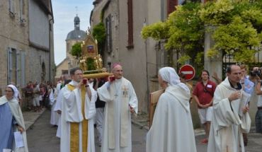 fete-sainte-marie-madeleine-vezelay-pelerinage-22-07-2015_2194650