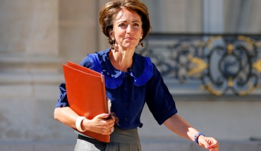 French Social Affairs and Health Minister Marisol Touraine leaves the weekly cabinet meeting at the Elysee Palace in Paris August 21, 2013 after a two-week summer holiday break. REUTERS/Benoit Tessier (FRANCE - Tags: POLITICS) - RTX12S7S