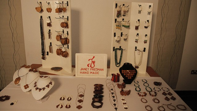 140821100736-janet-fredman-jewelry-selection-horizontal-gallery