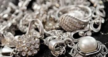 تنظيف الفضة