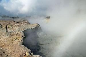 Dieng plateau kawah sikidang, Java Indonesia