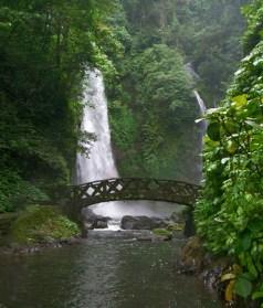 Kali Waterfall, located halfway between Manado and Tomohon