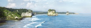 Spectacular coastal scenery at Watu Maladong, southwestern Sumba