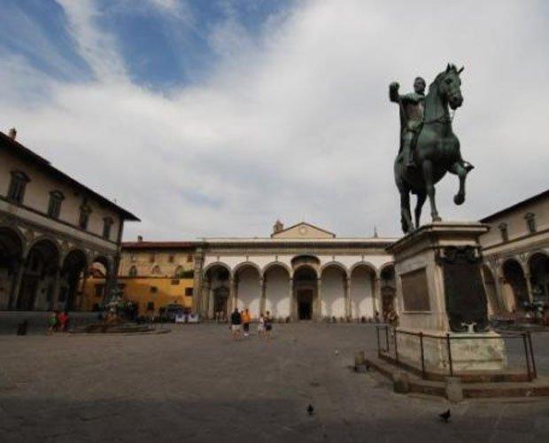 Piazza SS. ANNunziata.jpg