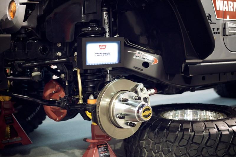 warnaevbrute4 800x533 SEMA 2013: WARNs AEV Double Cab Brute