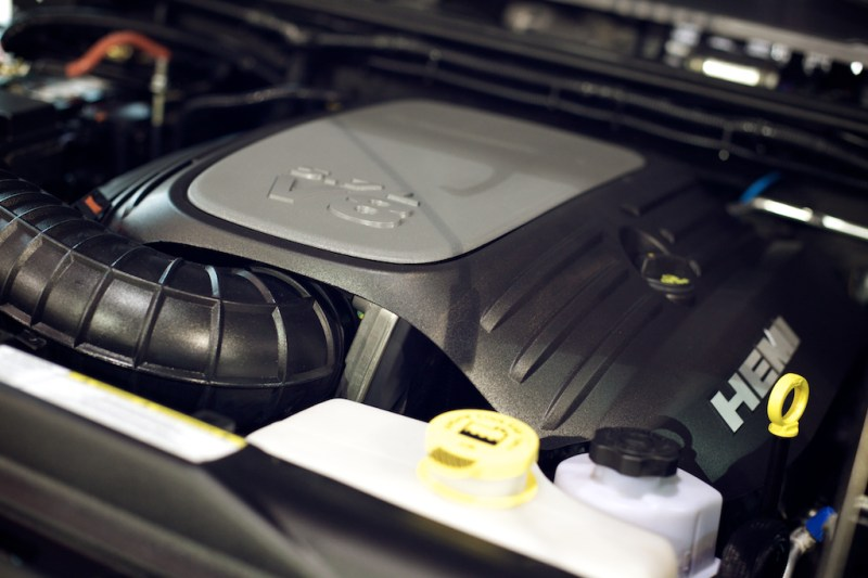 warnaevbrute5 800x533 SEMA 2013: WARNs AEV Double Cab Brute