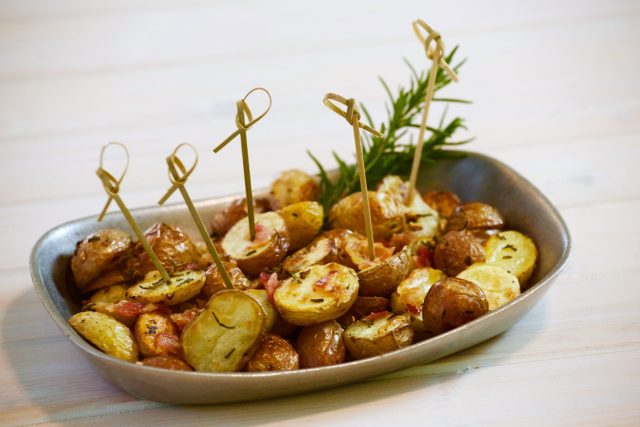 Oven Roasted Potatoes & Spicy Aioli