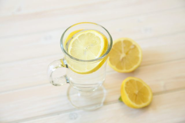 Health & Beauty Benefits of Lemon Water | Rockwell
