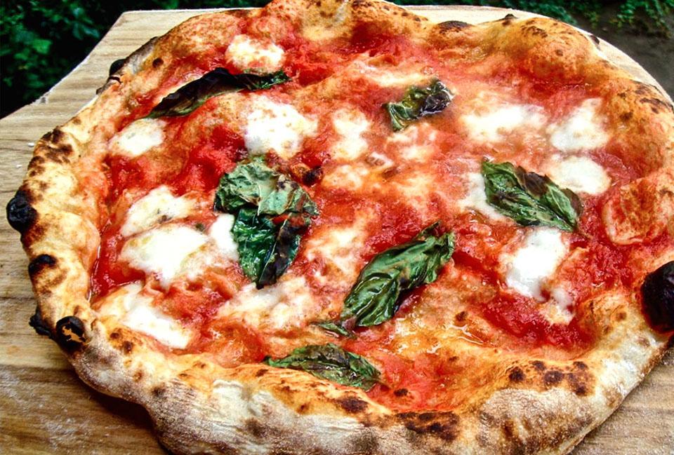 Tle famous MARGHERITA PIZZA