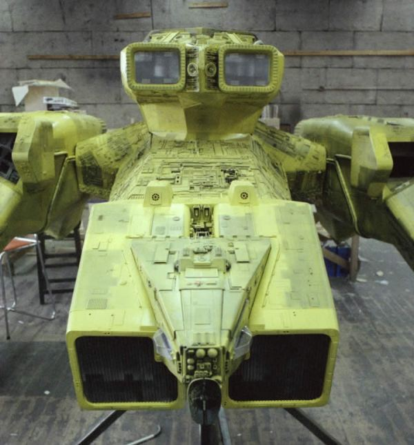 Alien - Close up nose section yellow nostromo