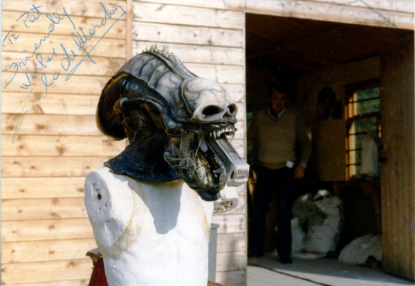 Pat Lowry - Alien head exposing the inner mouth signed by Carlo de Marchis