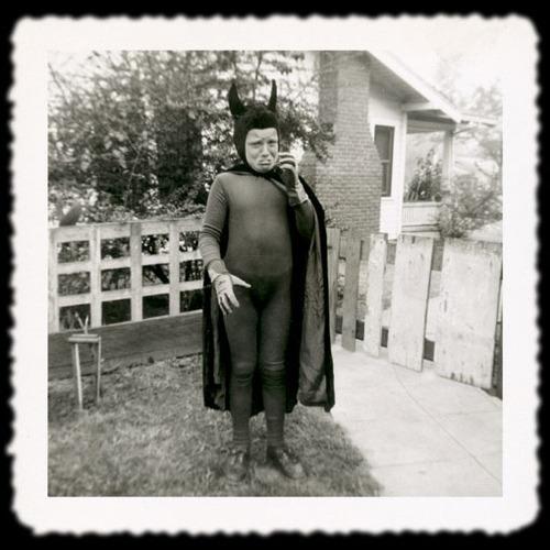 creepy vintage halloween photos - crying devil kid