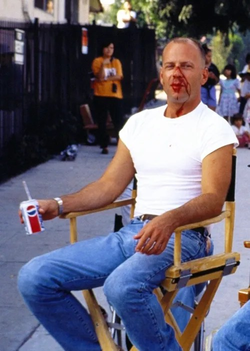 Bruce Willis on the Set of Pulp Fiction - Behind the Scenes Photo - Quentin Tarantino Movies