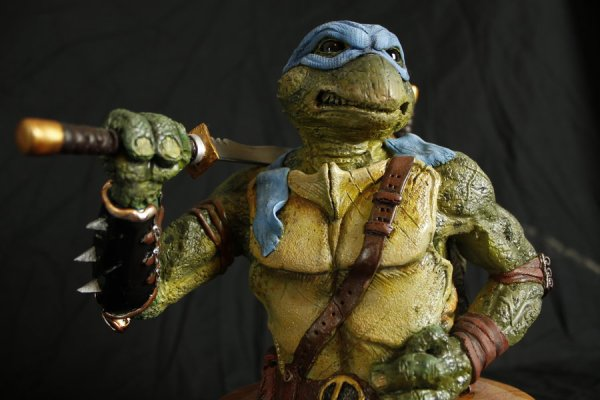 Leonardo sculpture by Micky Betts - Teenage Mutant Ninja Turtles