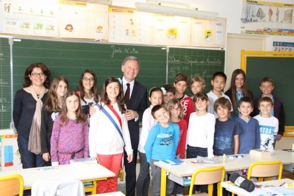 La classe mixte de Mme Larousse