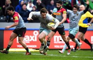 Ben Foden goes over to snatch the victory for Northampton