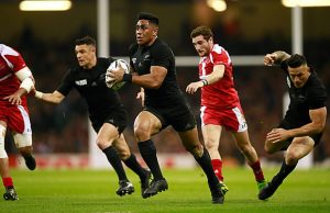 Malakai Fekitoa runs with the ball for New Zealand