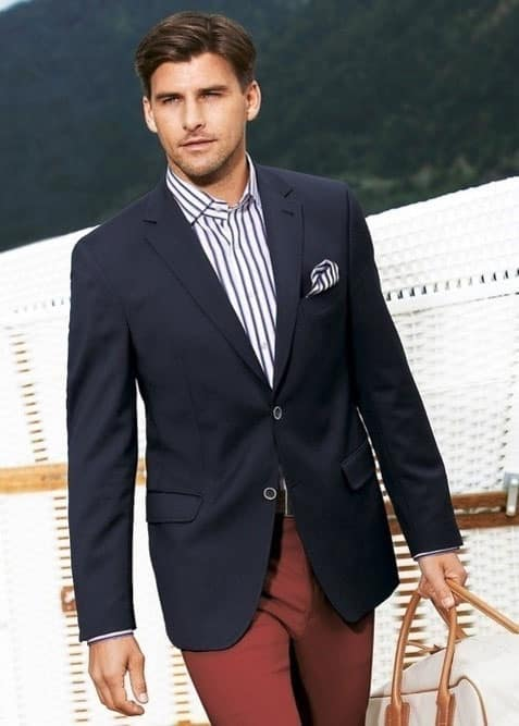 What To Wear with A Navy Blazer (Blue Blazer Outfit)