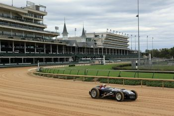 BARDAHL+ON+CHURCHILL+DOWNS+2011.jpg