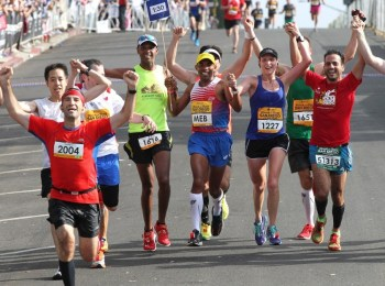 Run the 2014 TCS New York City Marathon with Meb Keflezighi