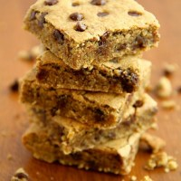 . chocolate chip cookie dough bars .