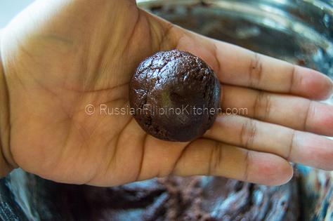 Chocolate Crinkles – Classic Christmas Cookies 11