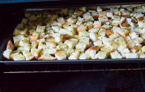 Easy Homemade Croutons 07