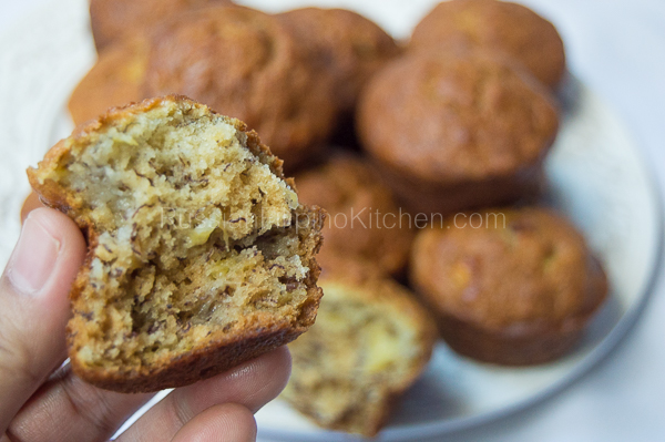 Light And Fluffy Banana Muffins