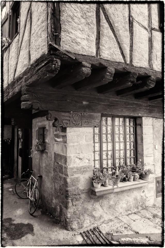 Pentacle, Alet-Les-Bains