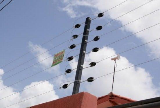 Cerca eletrificada instalada