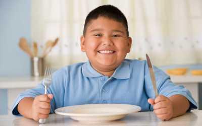 La familia contra el sobrepeso y obesidad en los niños