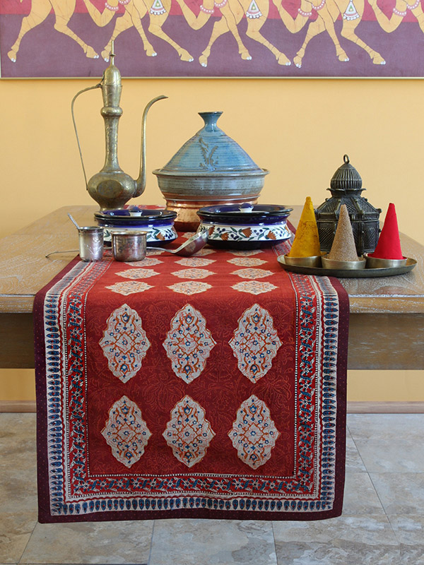sr_red_orange_moroccan_style_print_party_table_runner_detail