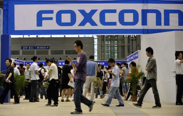 foxconn-denies-worker-unrest-slows-iphone-assembly