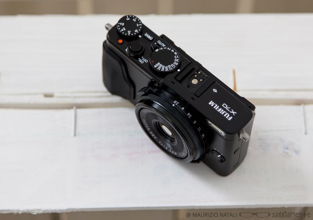 fujifilm-x70-top-controlli-obiettivo