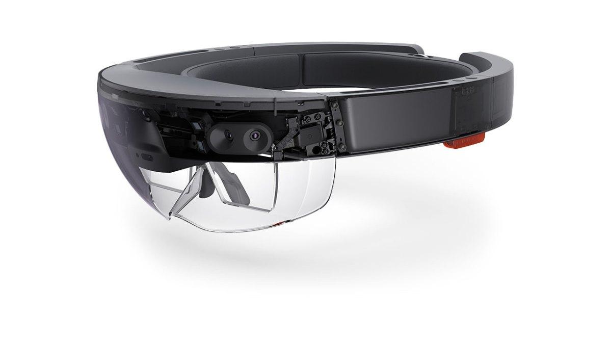 Microsoft apre i preorder per HoloLens, garantendo la consegna per novembre