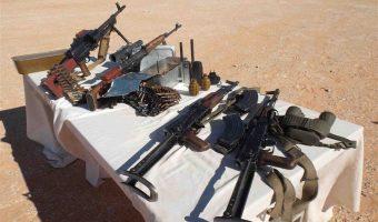 (APS)- Un lot d'armes de guerre et de munitions a ŽtŽ saisi samedi, par les forces de l'ArmŽe nationale populaire (ANP), dans la localitŽ frontalire de Debdeb, wilaya d'Illizi.