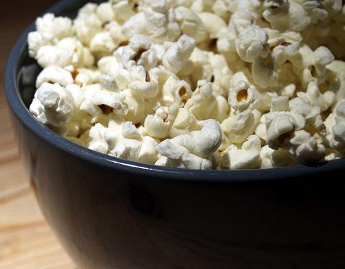 افضل مأكولات للحامل - فوائد الفشار بوب كورن للحامل الصحية