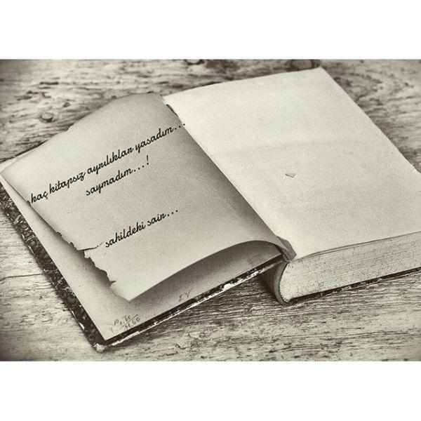 Devamı ve daha fazlası çok yakında tüm seçkin kitapçılarda #şiir #şiirsokakta #şair #kitap #ayrılık#sinanyıldızlı #sahildekişair