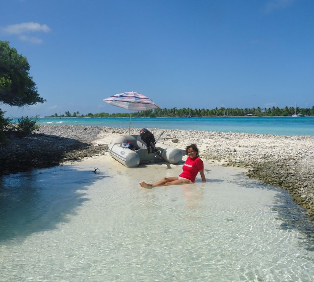Beach day in Toau, Tuamotu Archipelago