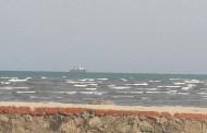 عدن : وصول باخرة لتنفيذ مشروع ربط كابل بحري للإتصالات ..