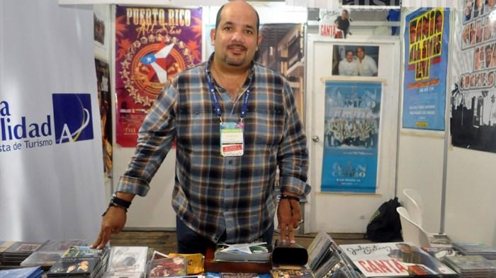 Richie Viera, quien participó en el Encuentro de Melómanos y Coleccionistas de la Feria de Cali.(Foto: Bernardo Peña / El País)