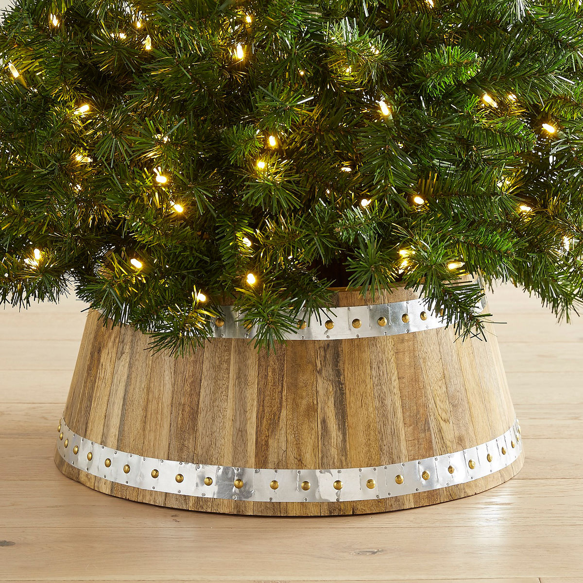 Magnificent Wood Tree Collar Tree Collars Salty Blonde Tree Collar Canada Tree Collar Home Depot houzz 01 Christmas Tree Collar