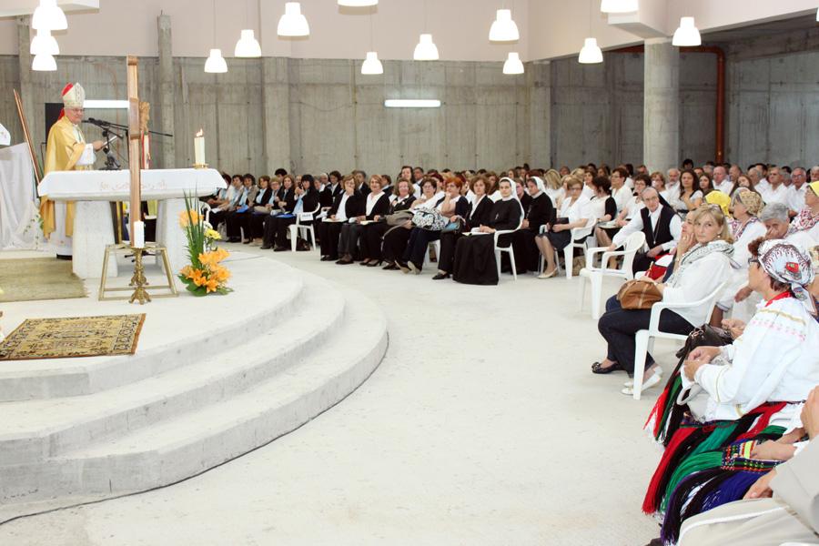 SVEČANA BISKUPIJSKA PROSLAVA PROGLAŠENJA SVETIM PAPE IVANA PAVLA II.