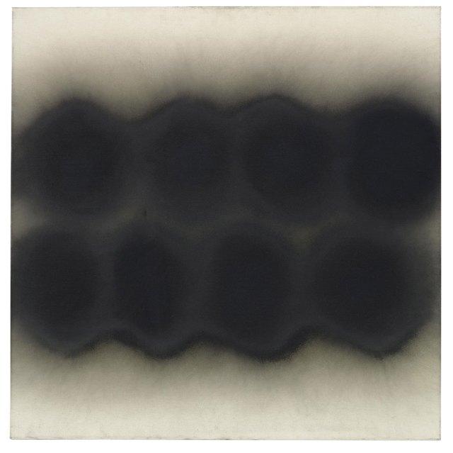 Otto Piene (1928 - 2014) Karanlıkta İki Dalga, 1963 Tuval üzerine yağlıboya ve is 100 x 100 cm Schaub Koleksiyonu, Landshut