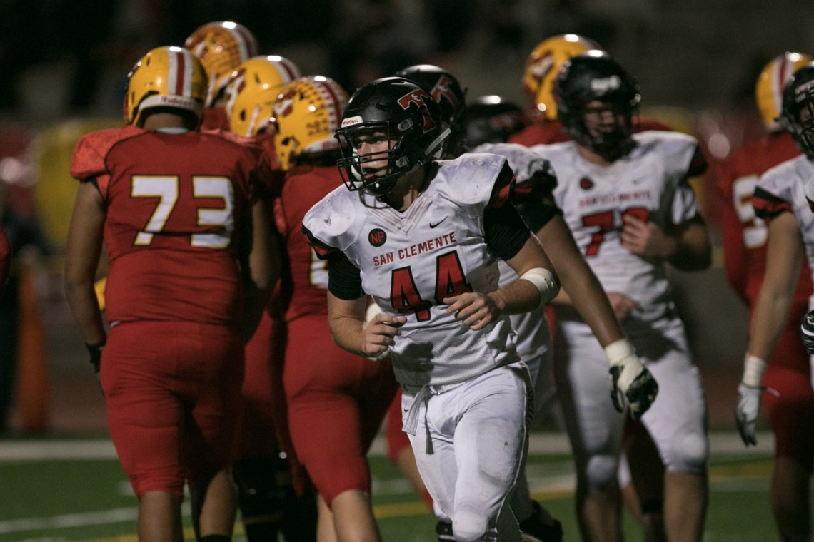 San Clemente's Riley Croft had 14 tackles against Mission Viejo on Nov. 3. Photo: Alan Gibby/Zone57