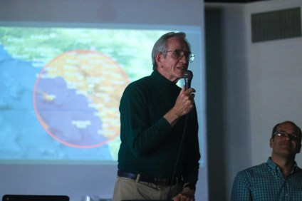 Tom English, Ph.D., a former adviser on nuclear energy to President Jimmy Carter, talks about the dangers of spent nuclear fuel at a forum on Oct. 17 at the Center for Spiritual Living in San Clemente. Photo: Eric Heinz