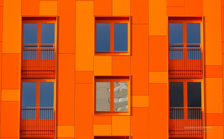 Architecture: orange facade/